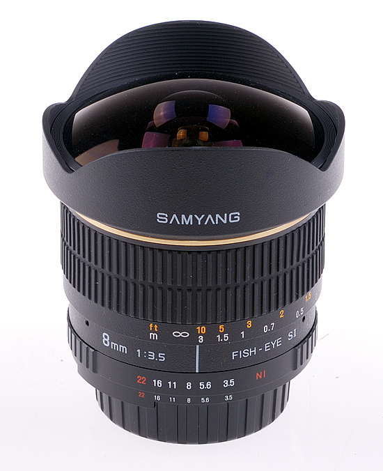 Samyang 8mm f/3.5 Fish-eye moc. Pentax